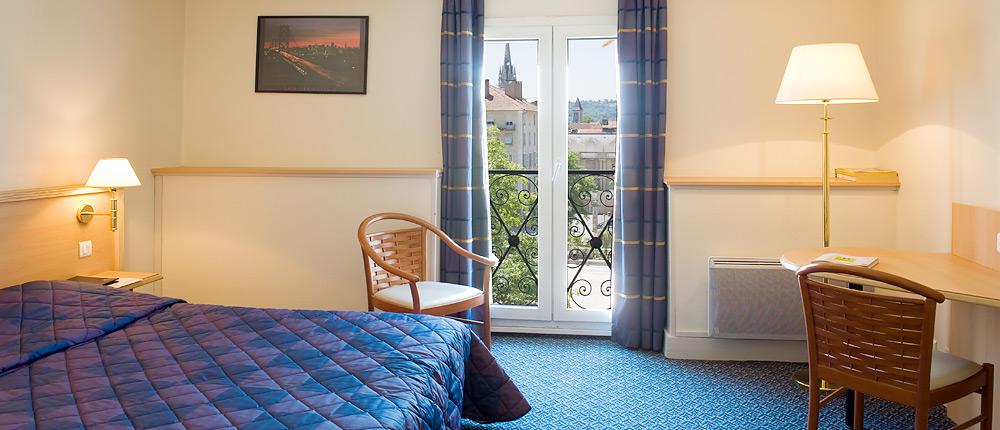 Chambre Hôtel le Bourbon Pau